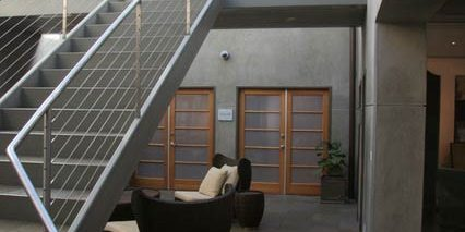 virginia-gilbert-therapist-la-high-conflict-divorce-office-atrium-3